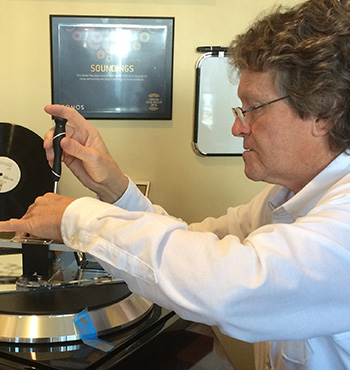 Rod Tomson from Soundings adjusts a turntable